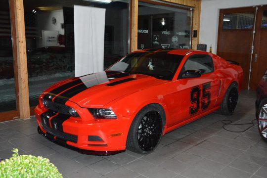 Ford Mustang Streifen DFC Folienwerk Singen Gottmadingn (4)